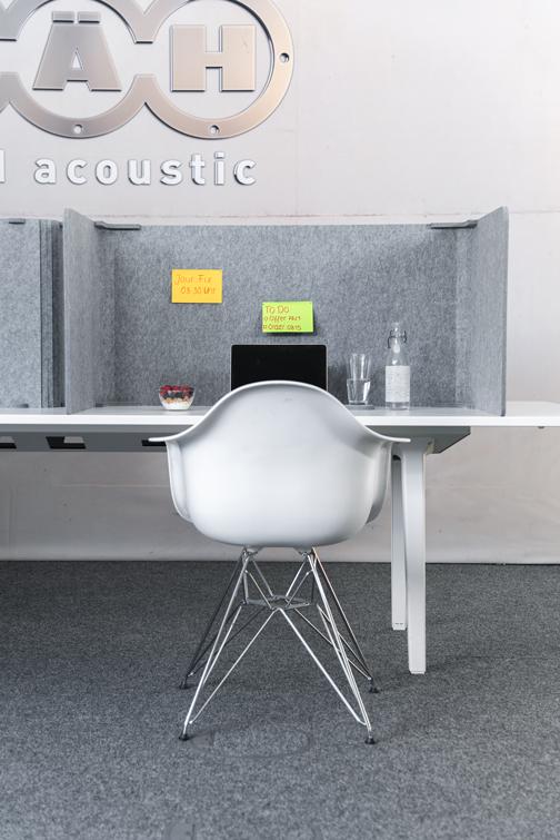 Schreibtischabsorber reduzieren den Schall im Büro
